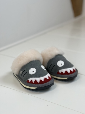 K12436 Shark slipper logo